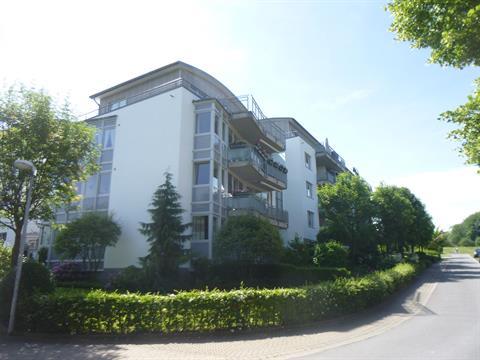 moderne lichtdurchflutete Wohnung mit Balkon Nähe Herz- und Diabeteszentrum