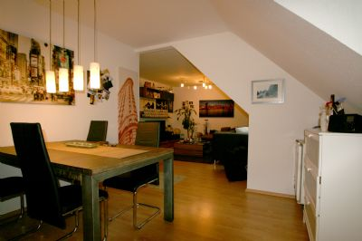 Großzügig geschnittene 2 Zi.-DG-Wohnungn in Essen Holsterhausen Nähe Klinikum