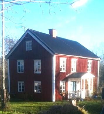 schwedenhaus in vimmerby mit badetonne brunnen 2 kachel fen kamin einfamilienhaus vimmerby. Black Bedroom Furniture Sets. Home Design Ideas