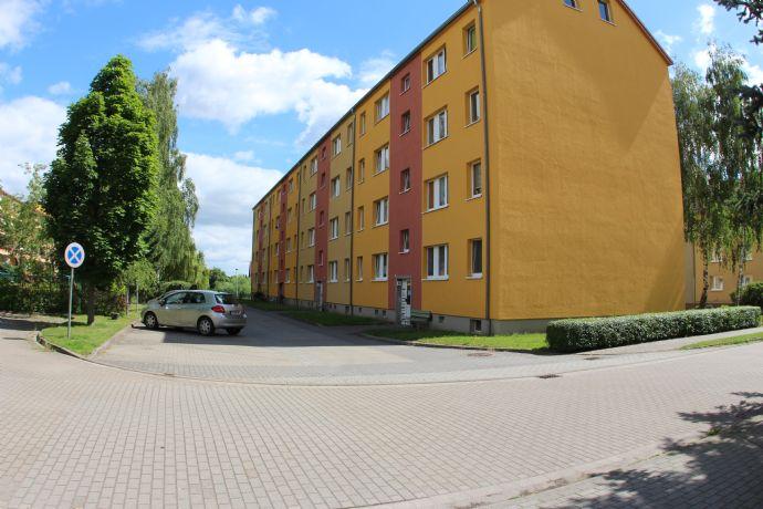 Modernisierte und möblierte 3 Raum Wohnung