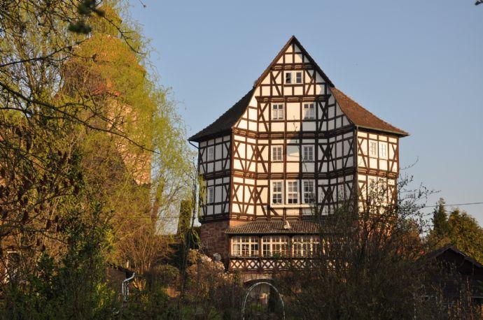 Ein Denkmal, ein Kleinod, eine außergewöhnliche Immobilie mit historischer Geschichte