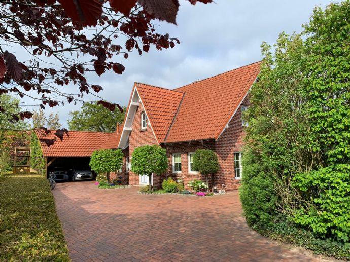 """sehr schönes Einfamilienhaus mit 3 Giebeln in Zetel/Neuenburg """"Sylter Styl"""""""