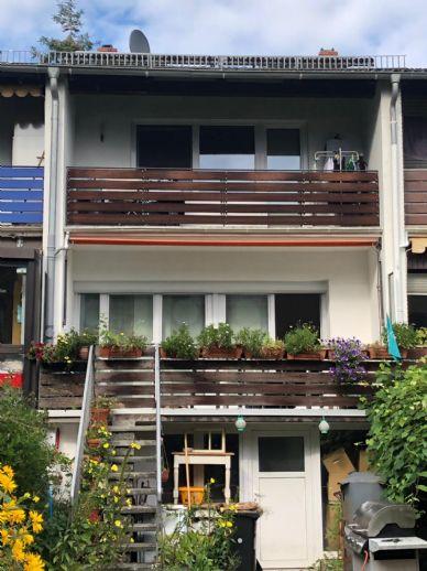Einzelbeichtigung! RMH Horn, 3 Zi., 2 Bäder, 2 Balkone, Keller, Süd-/West-Garten, EBK, Fußbodenheizg., Laminat, Vinyl