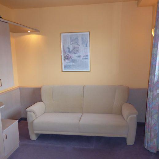 Gemütliche, renovierte und möblierte 2-Zimmer-Wohnung in Überherrn Felsberg zu vermieten
