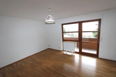 eine sehr sch ne und gro z gige wohnung mit garten etagenwohnung trossingen 2nwcb49. Black Bedroom Furniture Sets. Home Design Ideas