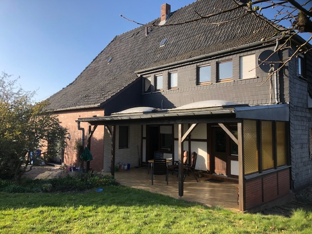 Historisches Bauernhaus in schönster Landlage mit Ausbaureserve auf 2.000 qm Bauland!