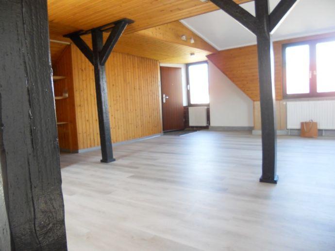 SB-St.Johann--Wohlfühlen im Dachgeschoss--renoviert--Fußläufig zur Innenstadt-- Nähe Uni SB--gepflegtes Wohnumfeld--