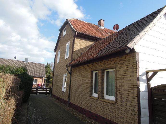 VERKAUFT    / Doppelhaushälfte mit Einliegerwohnung im Zentrum von Winsen