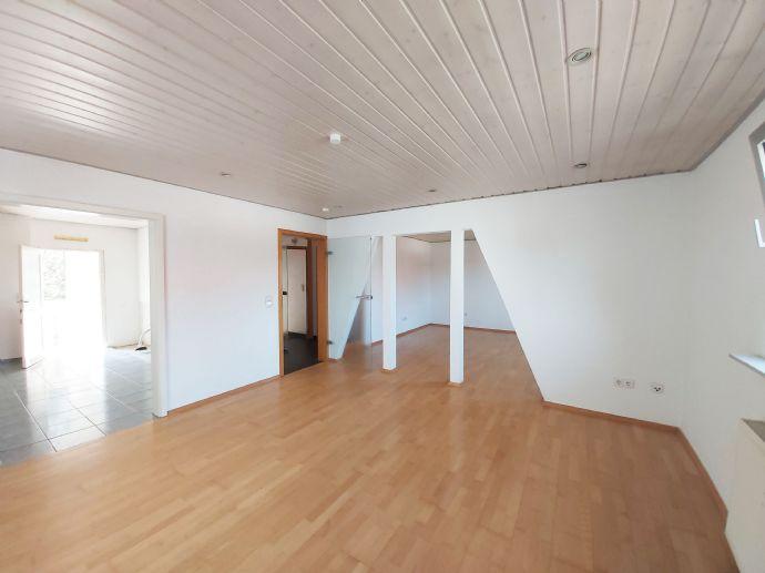 Rustikale 4-Zimmer-Maisonettewohnung in Höhenlage von Karlsruhe - Grünwettersbach!