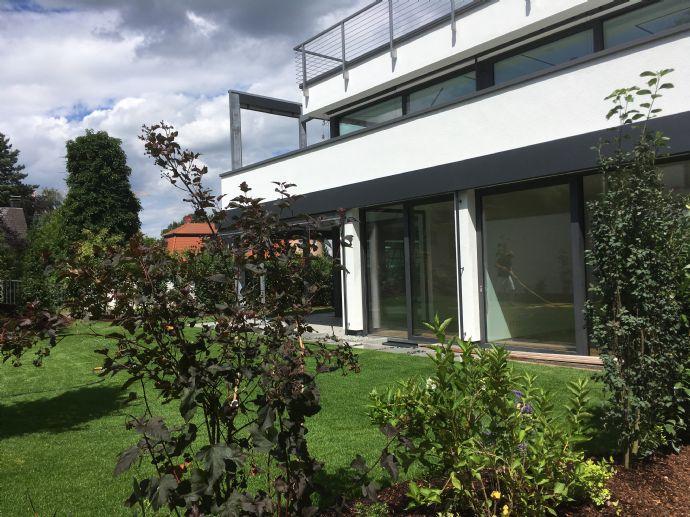 Ein Traum - exklusive 4-Zimmerwohnung mit eigenem Garten, beste Lage - Erlangen Burgberg
