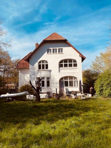 Neustadt/Ostsee - Courtage 3,25 % Etwas Besonderes - Stilvolle Villa - 12 Zimmer