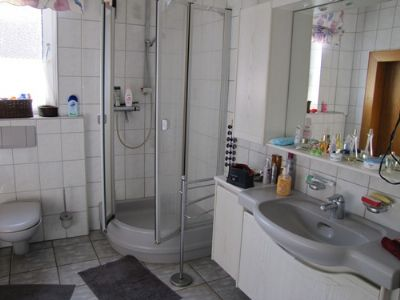 Badezimmer EG Bild 2