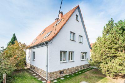 Familienfreundliches Ein- bzw. Zweifamilienhaus in ruhiger Lage von Dresden