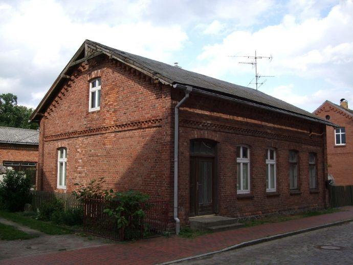 2 Häuser in Lübtheen suchen Handwerker.