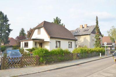 Klassisches einfamilienhaus auf gro em grundst ck sehr for Klassisches einfamilienhaus