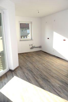 gem tliche 3 zimmer mit balkon in leubnitz zu vermieten wohnung werdau sachs 2c8sh48. Black Bedroom Furniture Sets. Home Design Ideas
