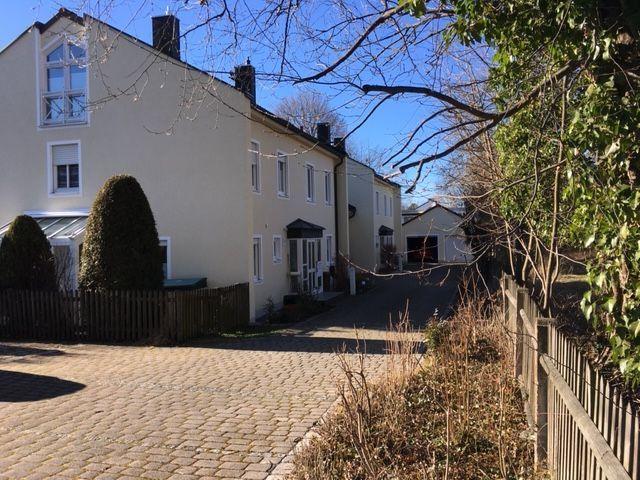 Heimelige, ruhig gelegene Doppelhaushälfte in Gräfelfing, mit netten Nachbarn