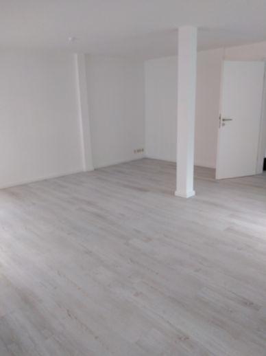 schöne 1-Raum-Wohnung im Herzen Zwickaus ( *Wählen Sie selbst - Möbelgutschein oder Elektrogutschein im Wert von 500,-€ oder 2 Monate mietfrei *)