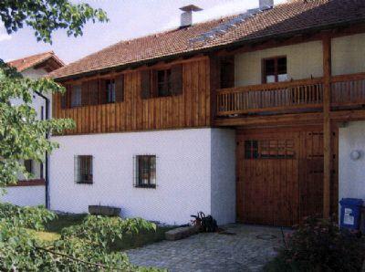 Nebengebäude mit Wohnung im OG