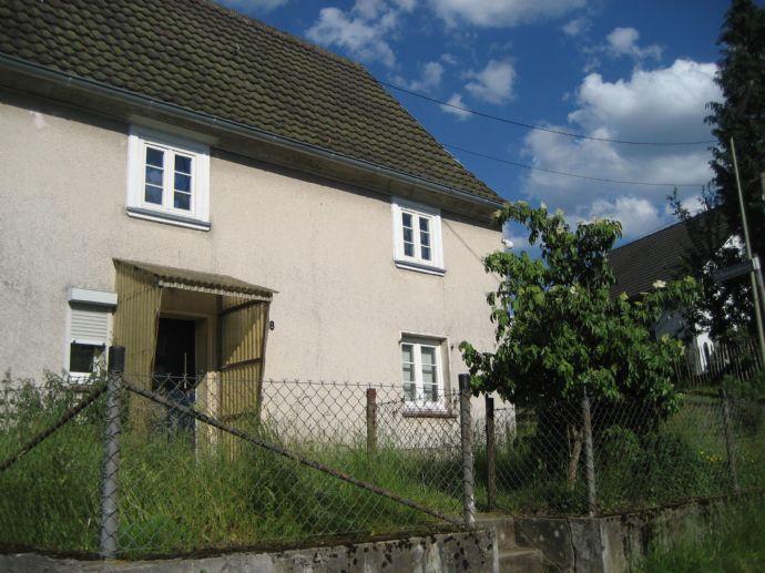 2 Fachwerkhäuser mit Scheune, Obstwiese und Baugrundstück in Dorfrandlage