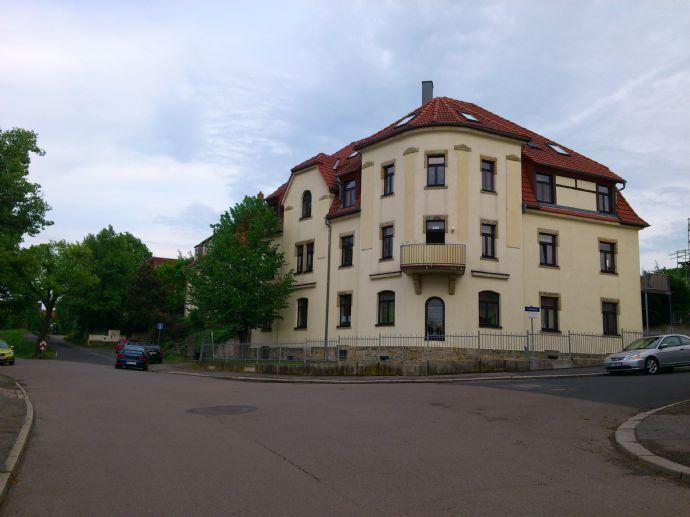 67 m², ruhig gelegene 2-Zimmer-Wohnung, EBK, sanierter Altbau