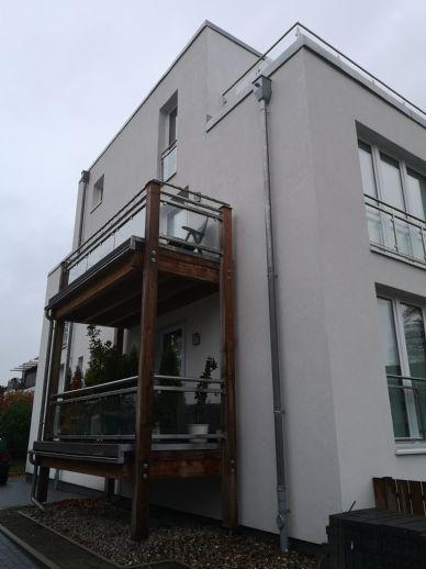 Lichtdurchflutete und Top - modernes Penthouse mit 28 m² Dachterrasse in Hamburg - Osdorf