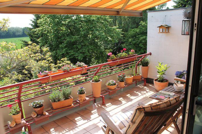 Tolle Dachgeschossmaisonette zum 01.02.2020 in Junkersdorf mit zwei Balkonen und Kamin !