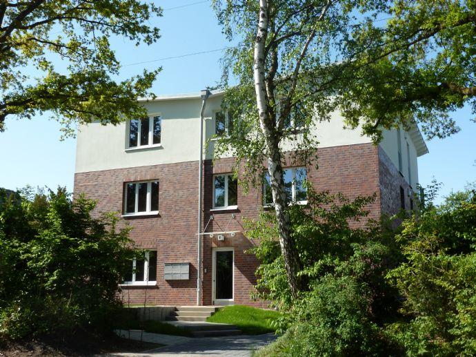 Sülldorf - gut geschnittene 3-Zi.-Wohnung -Süd-/Westterrasse - Garten - Fahrstuhl