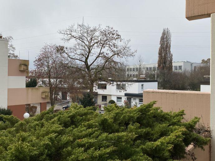 Ihr neues Zuhause - 2 Zimmer im 1. Obergeschoss mit Balkon!