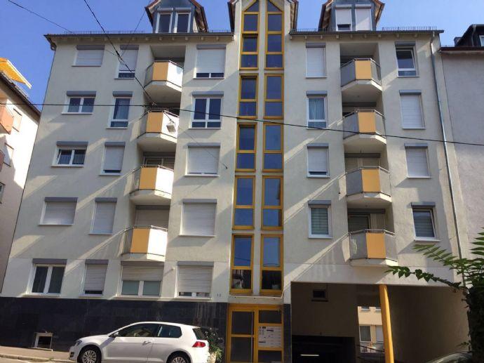 Teilmöblierte 3-Zimmer-Hochparterre-Wohnung in sehr begehrter Lage (Mitte) mit Fußbodenheizung