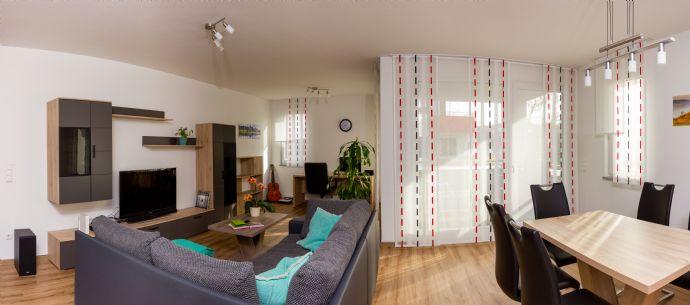 2,5-Zimmer-Wohnung mit Balkon, Einbauküche und Fahrstuhl