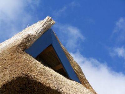 wir bauen auch ihr reetdachhaus haus glowe 2bexs4g. Black Bedroom Furniture Sets. Home Design Ideas