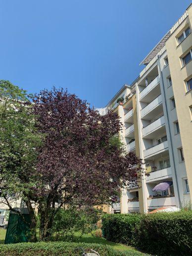 Vollsanierte 4-Zimmer-Wohnung mit Loggia in modernisierter Wohnanlage
