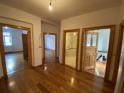 Renovierte 3-Zimmer-Altbauwohnung WG-geeignet
