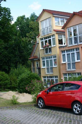 Ruhige Wohnung im 1. OG mit Wintergarten !