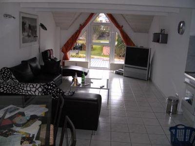 top wohnung ber 2 etagen ansprechpartner beachten. Black Bedroom Furniture Sets. Home Design Ideas