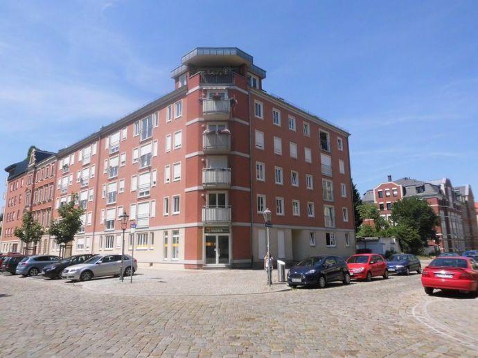Schöne 2 - Zimmer - Wohnung mit Personenaufzug am Bonhoeffer Platz