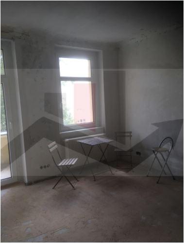 leerstehende 1 Zimmerwohnung in zentraler Lage für Individualisten (sanierungsbedürftig)
