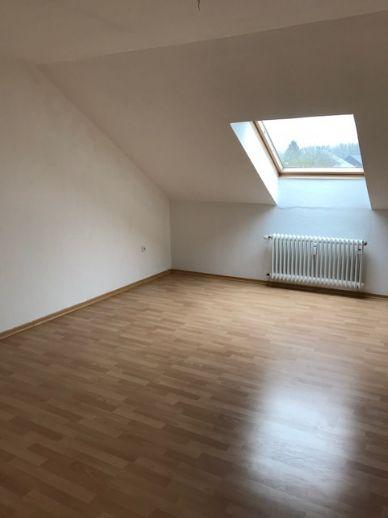 Schwerte-Ergste, Schöne 2 1/2 Zimmer-Dachgeschosswohnung