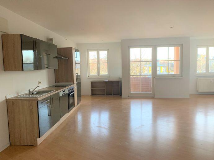Helle 2 5-R-Wohnung mit Balkon