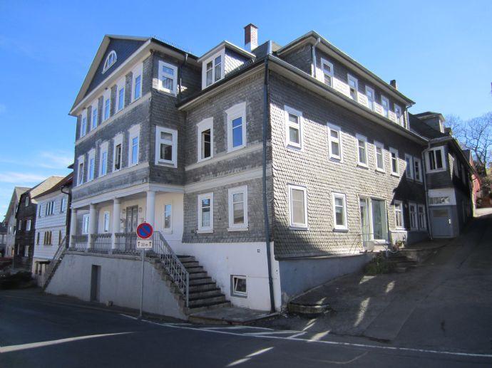 Wohnen in Oberweißbach - geräumige 3,5 Raumwohnung zu vermieten!