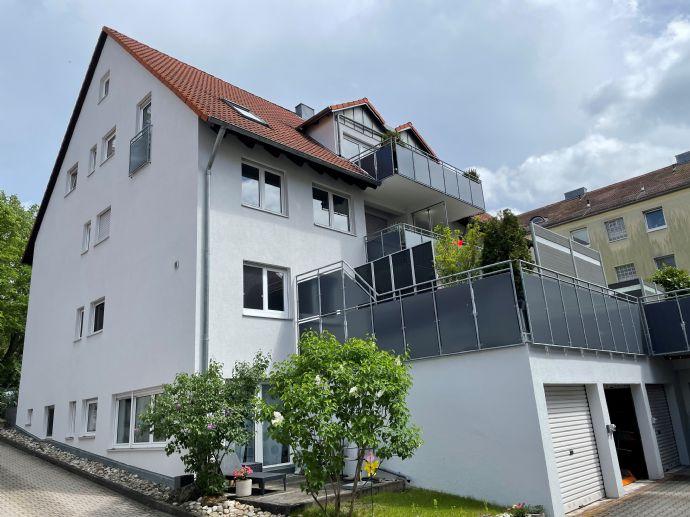 Moderne Haus-im-Haus DG-Wohnung mit Balkon