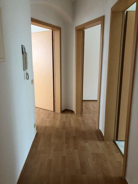 kleine, gemütliche 2-Raum Wohnung zu vermieten!