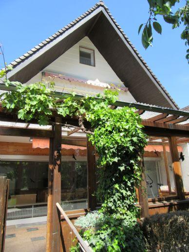 Attraktives 1 bis 2 Familienhaus mit 7 Zimmern in Augsburg, sofort frei und beziehbar!