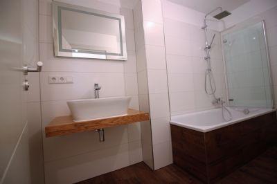 * Modern renovierte, schicke 3-Zi-Whg. in Planegg, bezugs- und provisionsfrei *