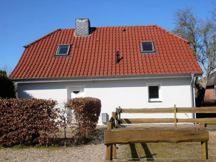 Riepsdorf: Einfamilienhaus auf dem Land mit kleinem Stallgebäude und ganz viel Charm – 4 Zimmer!