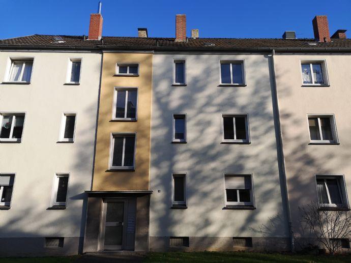 Sanierte 2 Zi. Wohnung im 1.OG in ruhiger Lage in MG Rheydt