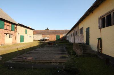 Innenhof, re. Kuhstall