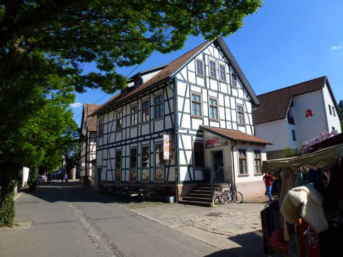 Wohn- und Geschäftshaus in Zentrumsrandlage