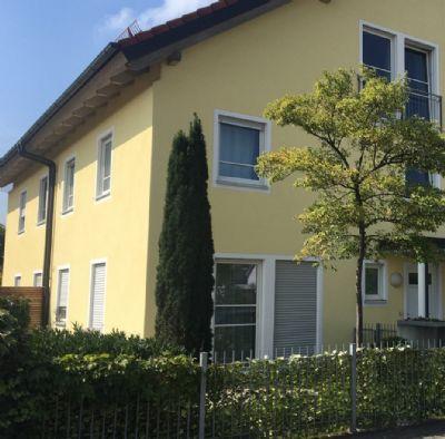 Eckhaus mit exclusiver Ausstattung, nähe S1 Lohhof und Bezirksstraße